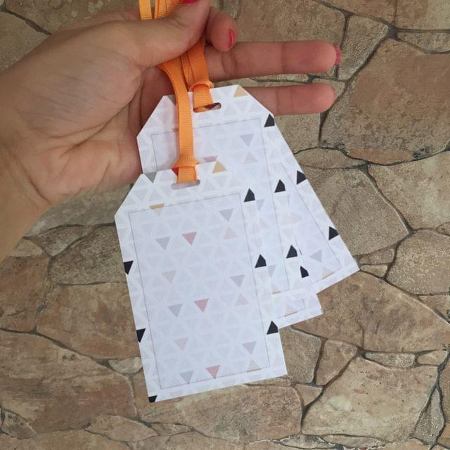 Coloured Triangles gift tag set