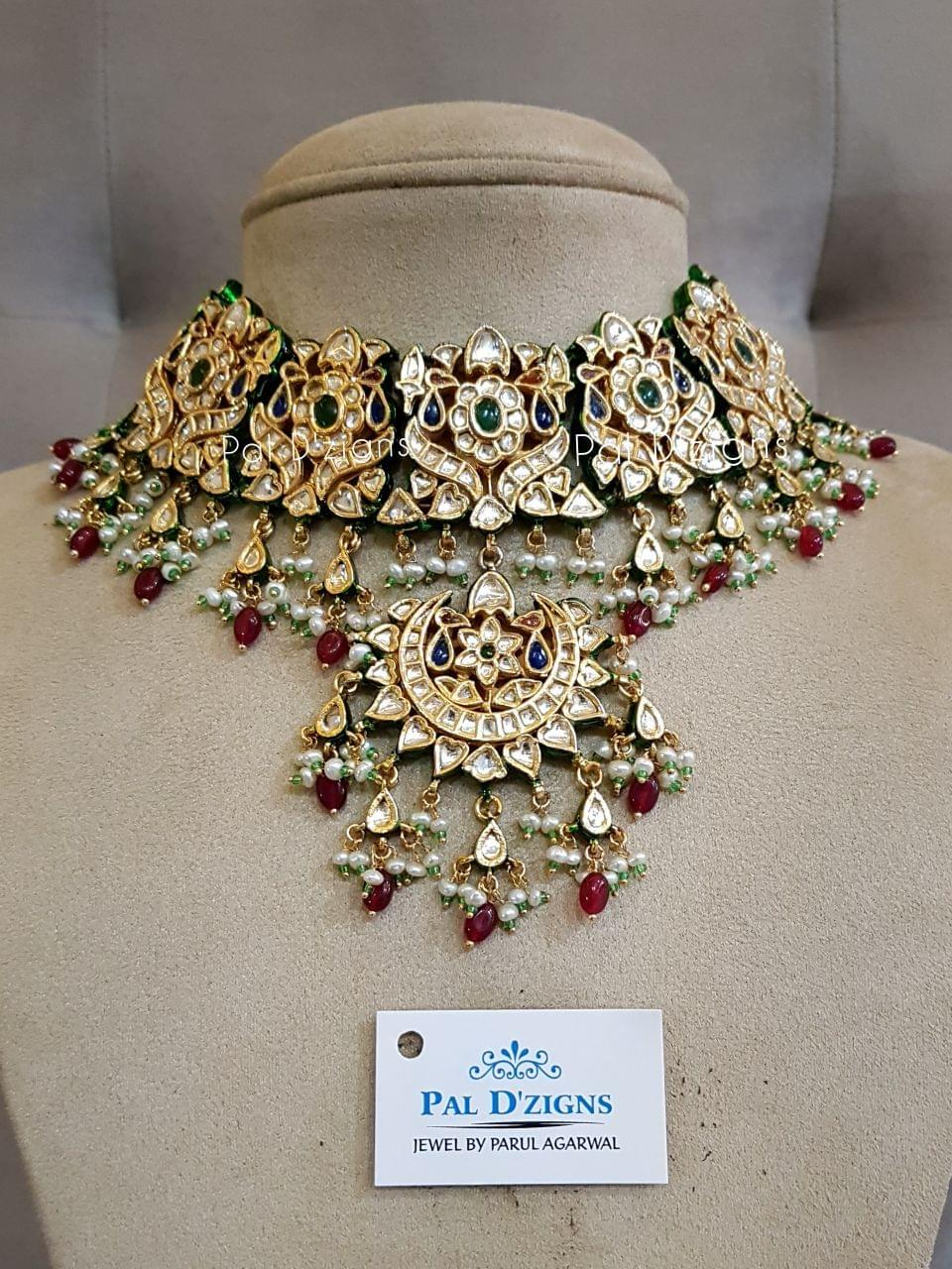 Aishwarya Kundan Set