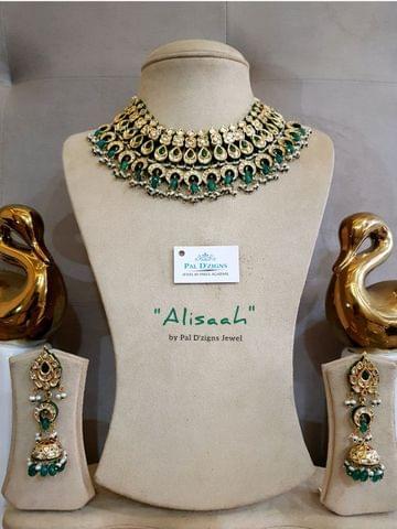 Alisaah Kundan Set