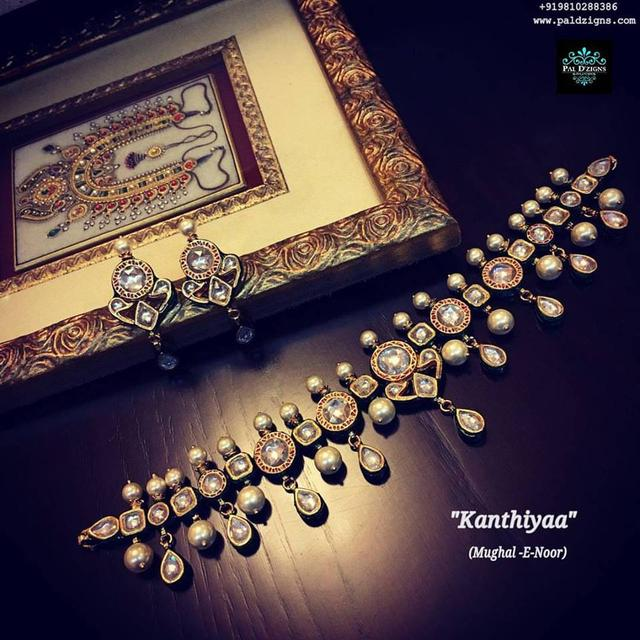 Kanthiyaa Polki Necklace set