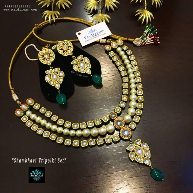 Shambhavi Tripolki Necklace Set