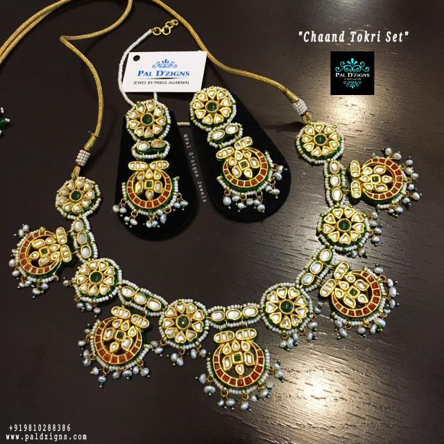 Chaand Tokri necklace Set