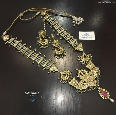 Mahiraa Necklace Set