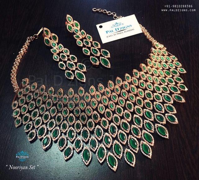 Nooriyaan Diamond Set