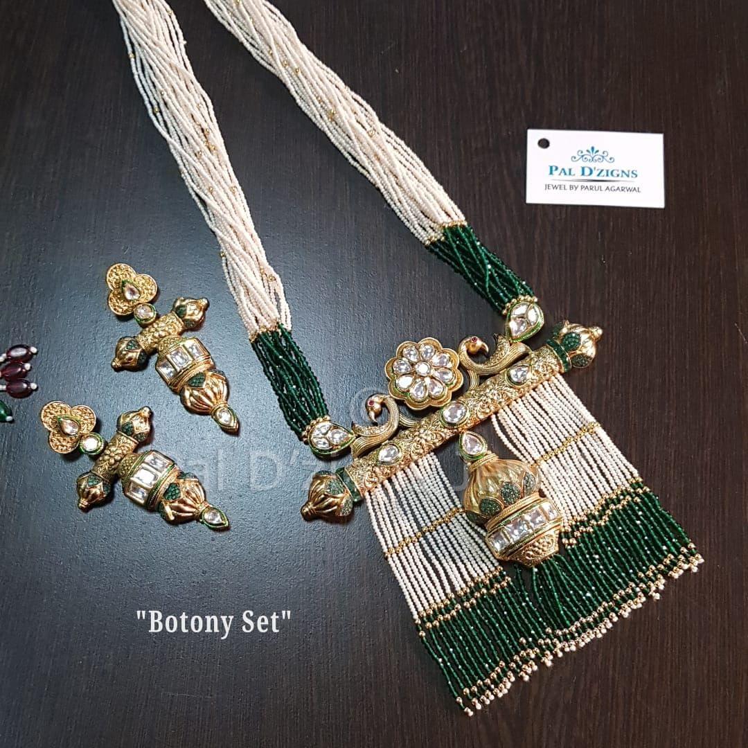 Botony Kundan Set