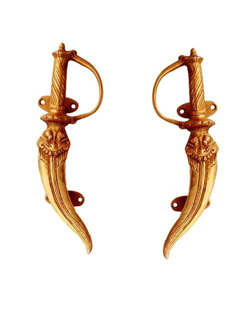 Purpledip Brass Door/Window/Cupboard Handle: 'Royal Swords' - Set Of 2 (11133a)