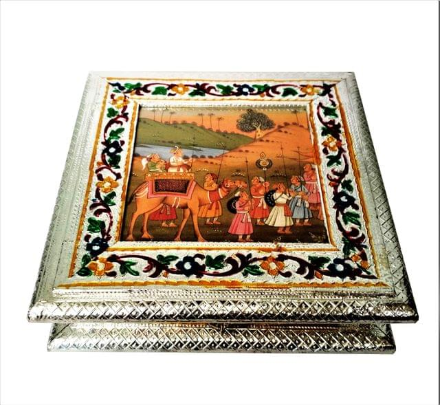 Purpledip Wooden Meenakari Box with Painting 'Royal Procession': Ideal for 500 gms Nuts, Sweets, Chocolates or Mints (11496)