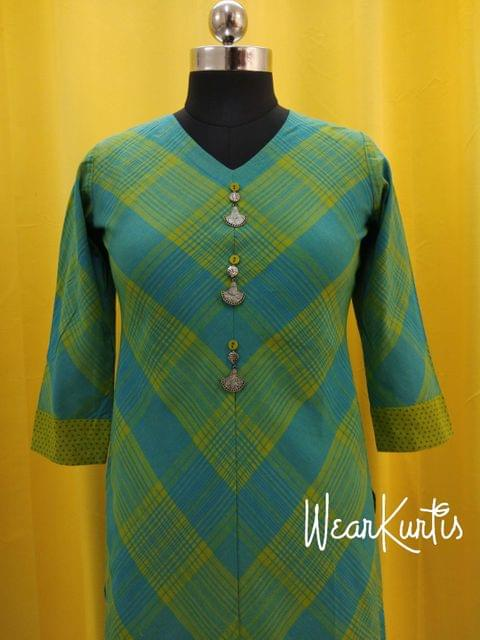 Printed Blue and Yellow Cotton Kurti withfancy buttons on yoke(Refer 3rd picture for measuring your fitting size, No Refund, No exchange, No cancellation),Round with V neck, Height 45 48, 3/4 Sleeves, side slit.