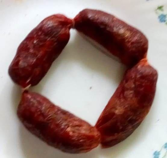 King-size Goa sausages