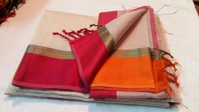 100% Authentic Handwoven Maheshwari Saree