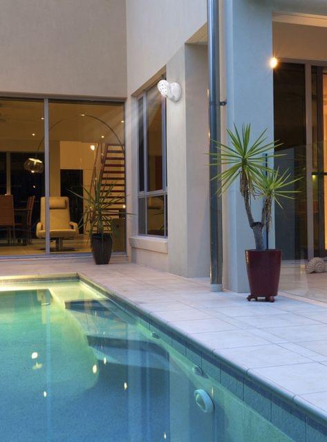 Utmark 360° Swivel Motion Detected Led Motion Lights Lamp for Indoor Outdoor Use