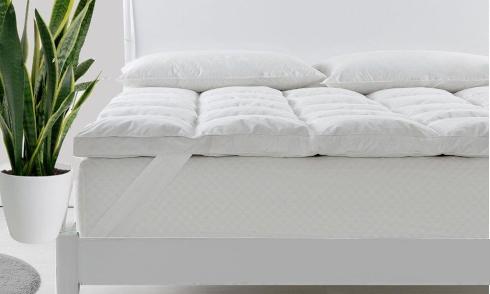 Royal Comfort Fitted Foam Cover Underlay Goose Mattress Topper 1000GSM - King