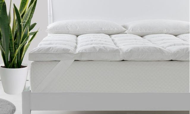 Royal Comfort Fitted Foam Cover Underlay Goose Mattress Topper 1000GSM - Queen
