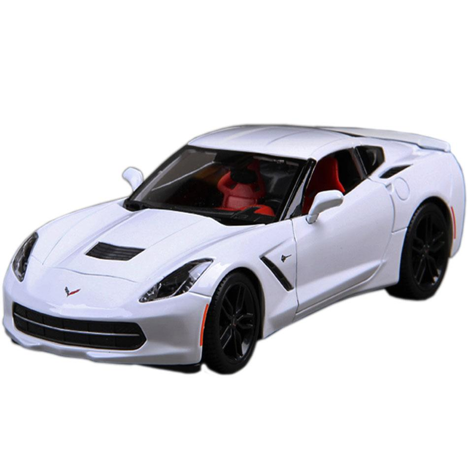Maisto 2014 Corvette Stiingray White, 1:24 Scale Die Cast Metal Car