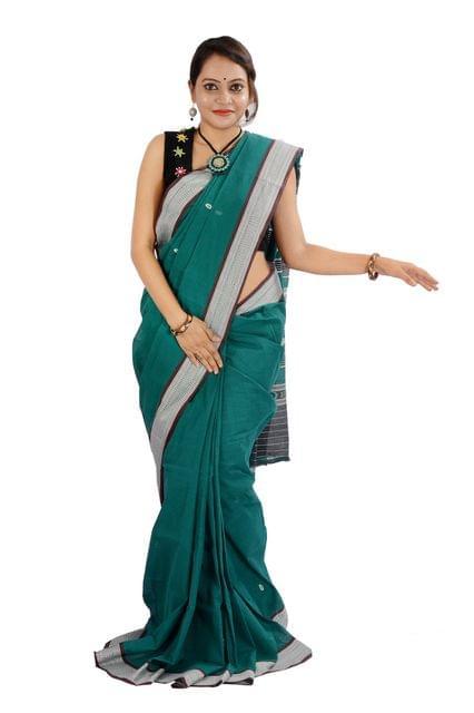 Odisha Maniabandhi Saree In Green With Plain Buti
