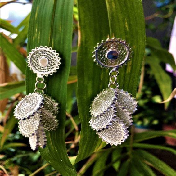 Silver Filigree Swaying Circle Earrings