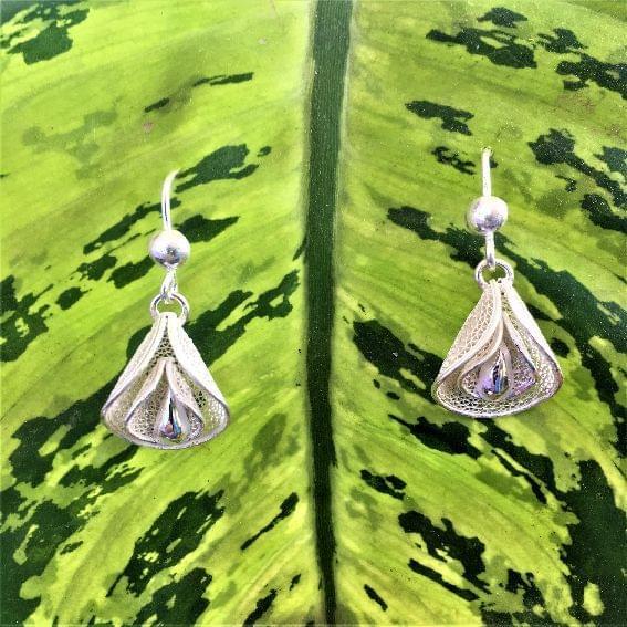 Silver Filigree Teeny Budy Earrings