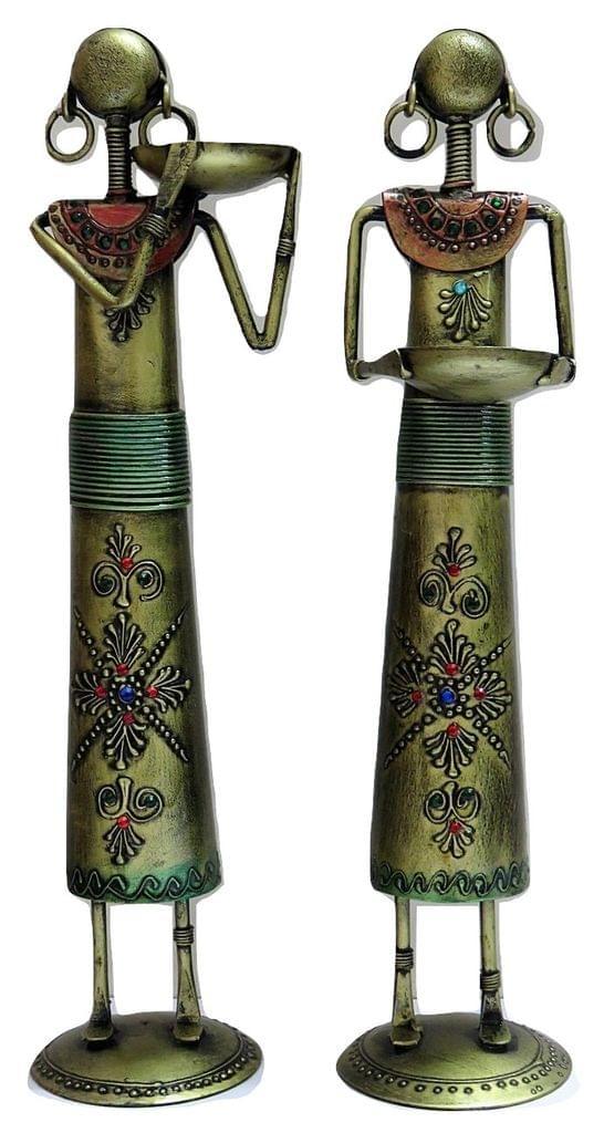 IndicHues Handmade Wrought Iron Farmer Ladies, Set of 2