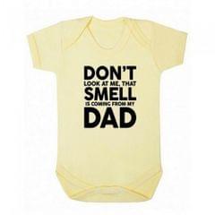 FLOSO Baby Jungen Mädchen Kurzarm Body Strampler mit der Aufschrift  That Smell Is Coming From My Dad