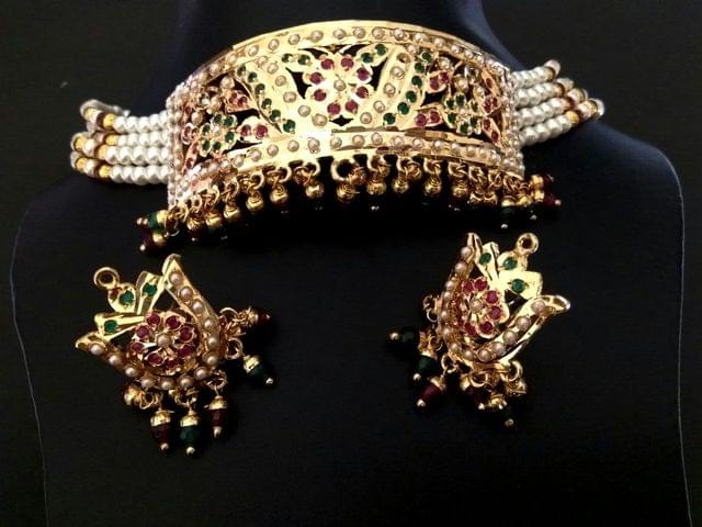 Beautiful Choker Necklace made of Brass. It is gold plated