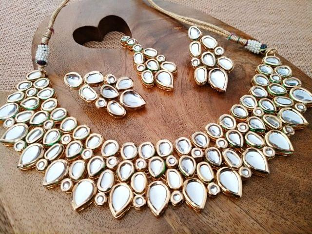 Buy this high quality Kundan Necklace set with an year warranty