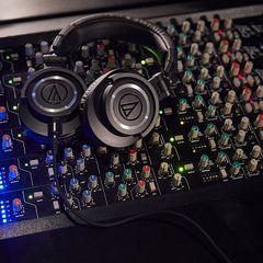 Audio-Technica ATH-M50x Over-Ear Professional Studio Monitor Headphones
