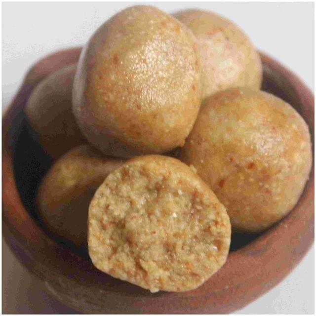 Thaen Kadalai Urundai (Grdnut Honey Balls)