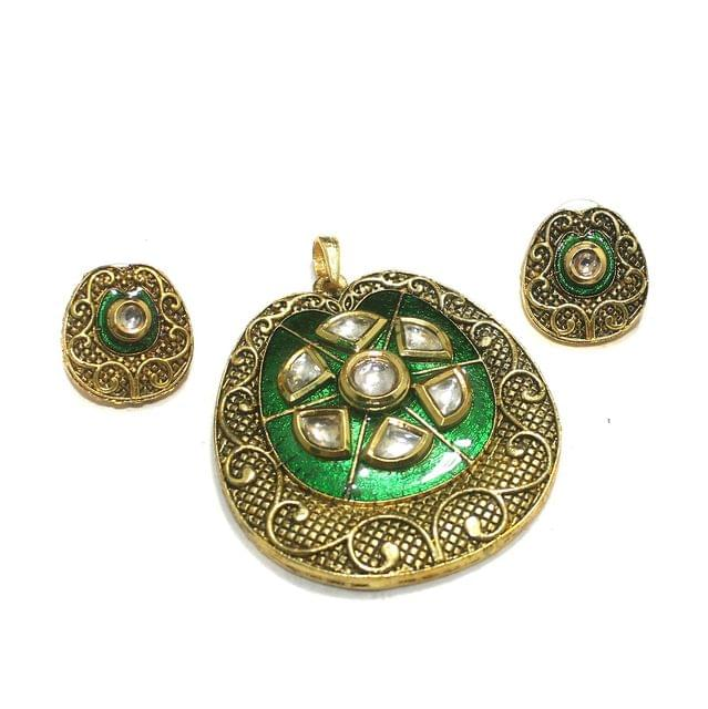 Green Kundan Pendant Set 56x52mm