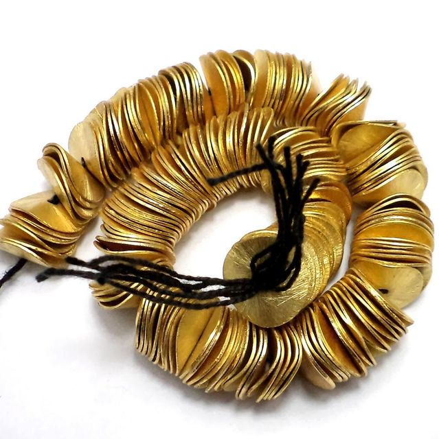 100 Wavy Metal Disc Beads Golden 14