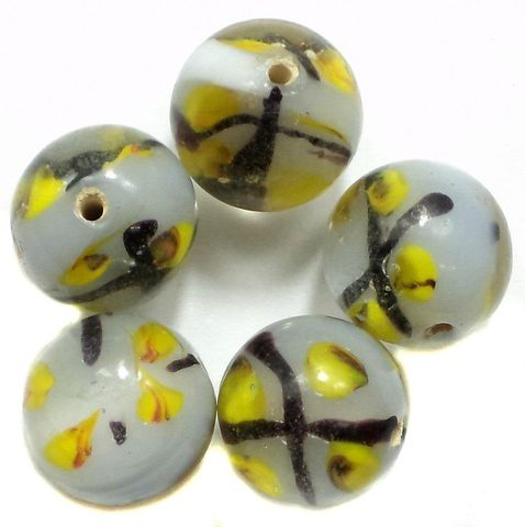 14 Fancy Beads Round Inside Light Gray 14mm