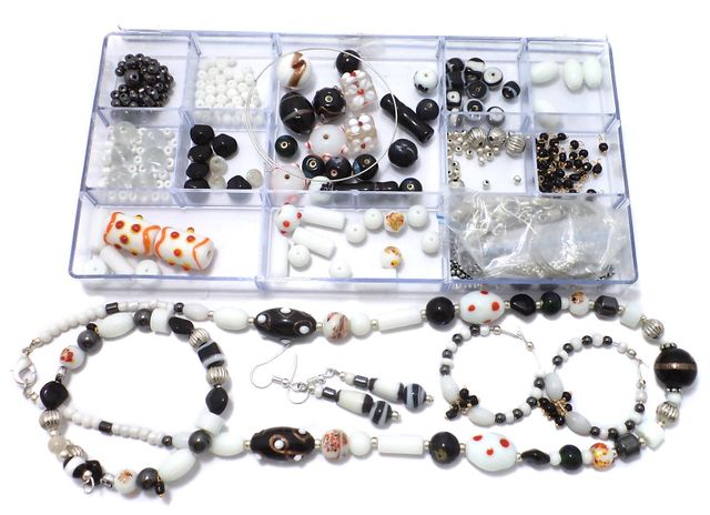 Jewellery Making Magnetic & Glass Beads DIY Kit