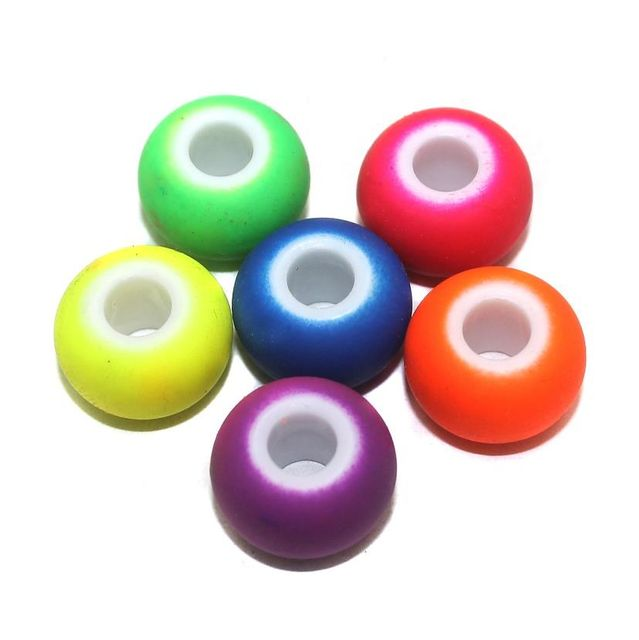 40 Acrylic Round Beads Assorted 16mm