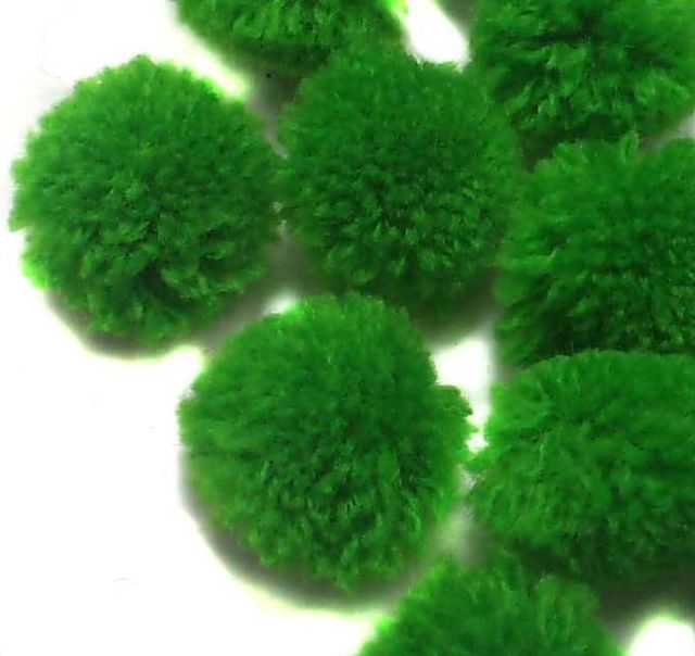 50 Pom Pom Round Beads Green 15 mm