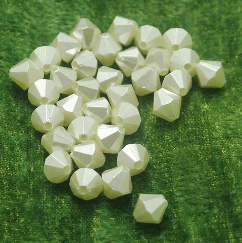 100 Gm Acrylic Pearl Bicone Beads Off White 8 mm