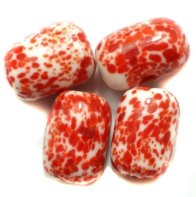 20 Pcs. Bajri Oval Beads Red 20x15 mm