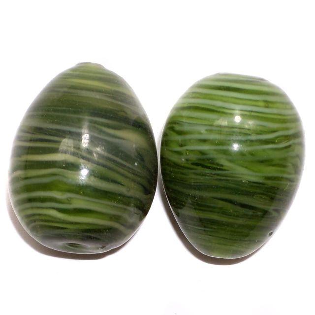 2 Lampwork Egg Beads Green 30x25 m