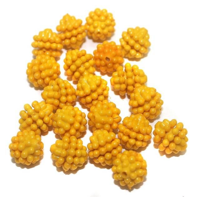 50 Acrylic Round Beads Yellow 10mm