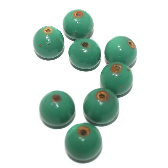 20 Wooden Round Beads Green 15mm