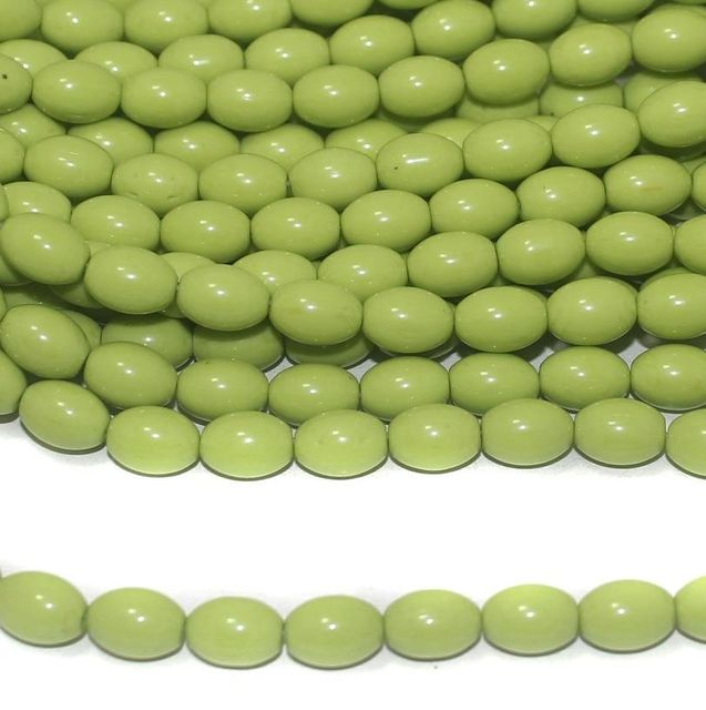 Parrot Green Oval Glass beads 10x7mm 12 Strings