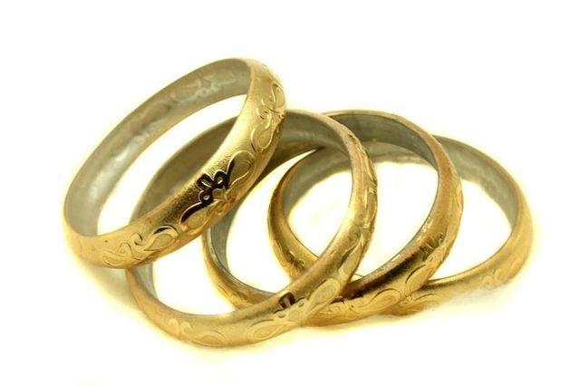 Golden Glass Non Plated Bangles Kada For Women, Size 2.6