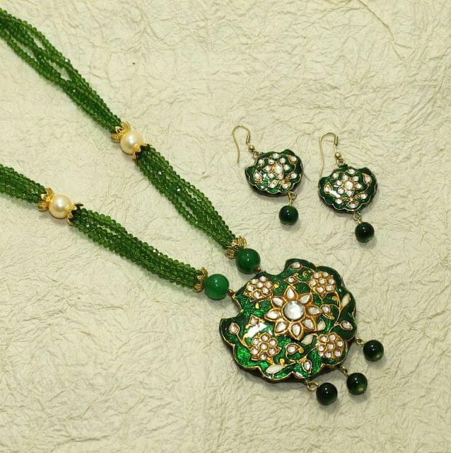 Beaded Kundan Pendants Necklace Set With Earrings Green