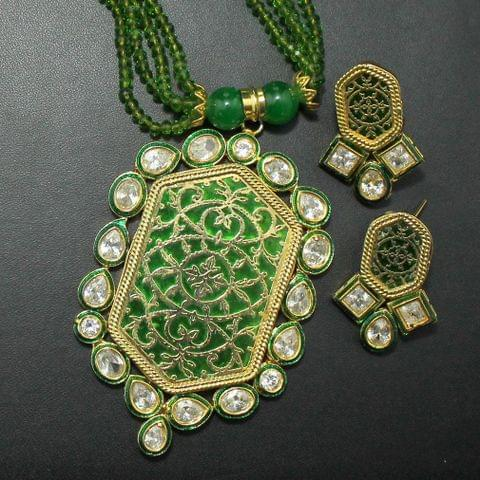 Green Kundan and Thewa Necklace Set