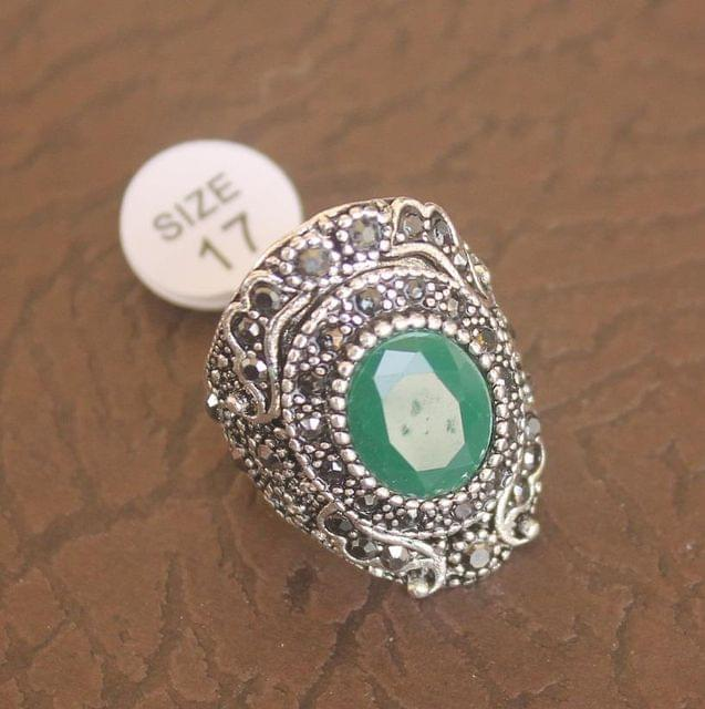 Victorian Finger Ring Green, Size 17