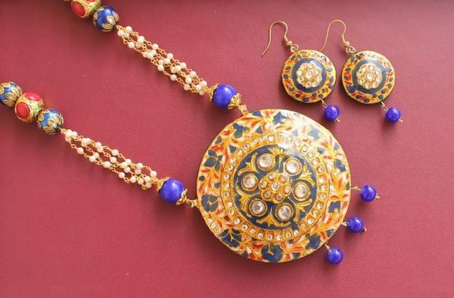 Navratna  Kundan Necklace Set