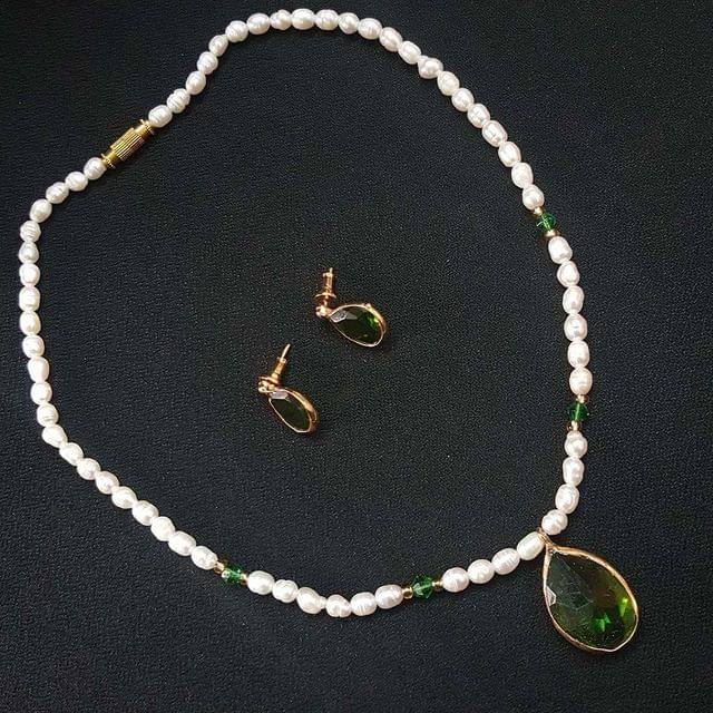 Green Drop Style Beaded Necklace With Earrings For Girls / Women