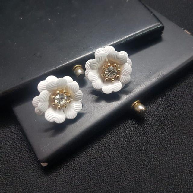 Designer White Flower Earrings