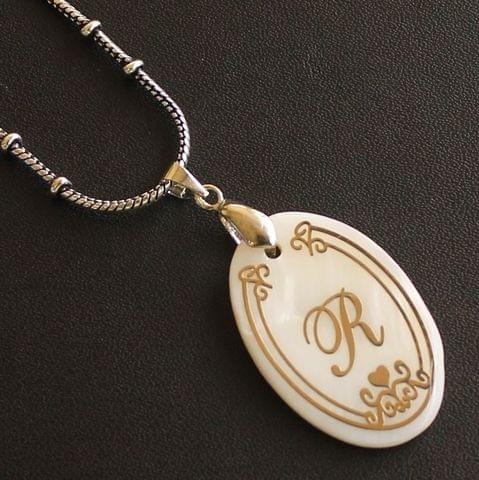 German Silver Chain With Alphabet 'R' Shell Pendants