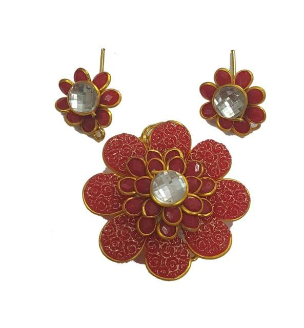 Red White, Pacchi Pendant With Combo Earring