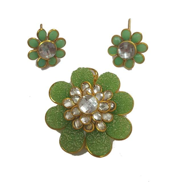 Parrot Green, Pacchi Pendant With Combo Earring