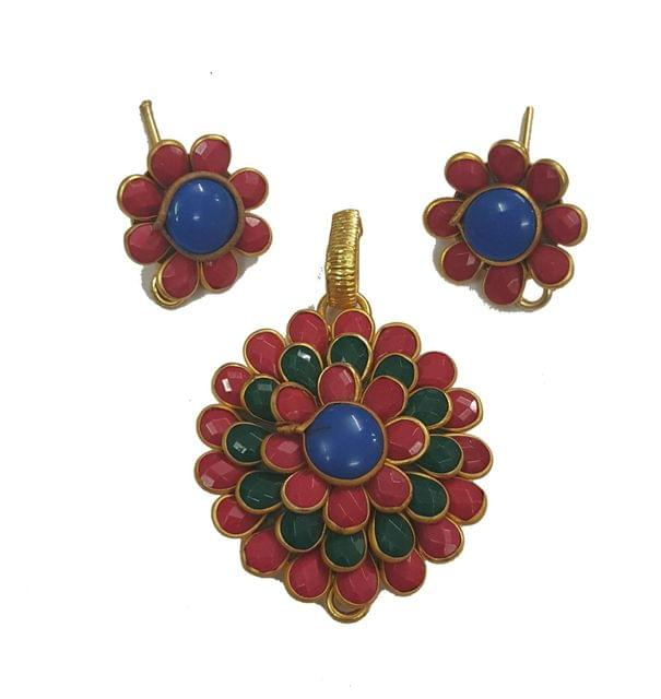 Green Red, Pacchi Pendant With Combo Earring